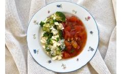 Pikanter Reisauflauf mit Tomatensoße